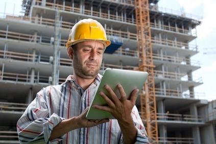 builder-building-helmet-tablet-79895-543